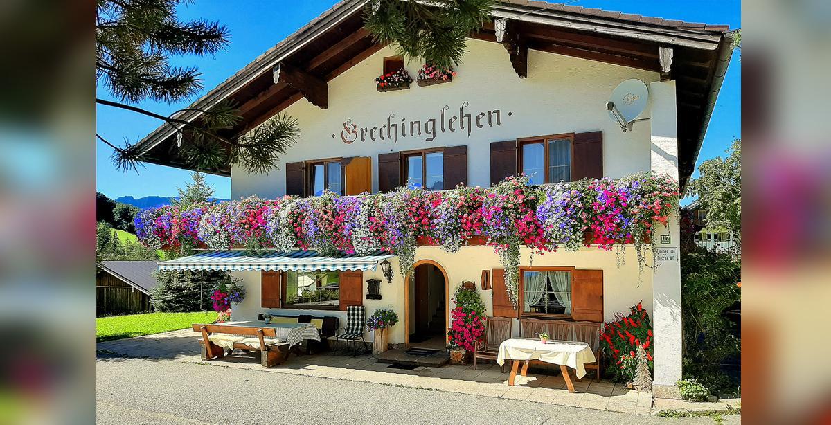 Grechinglehen_Aussenansicht-Haupthaus-001.jpg