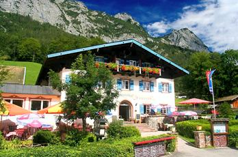 The Alpenhof offers its 30 guests a pleasant, relaxing stay in a sunny location. As no through traffic, complete night's sleep. The Hintersee forms the conclusion of the Ramsauer valley and is one of the most beautiful areas of Berchtesgaden.