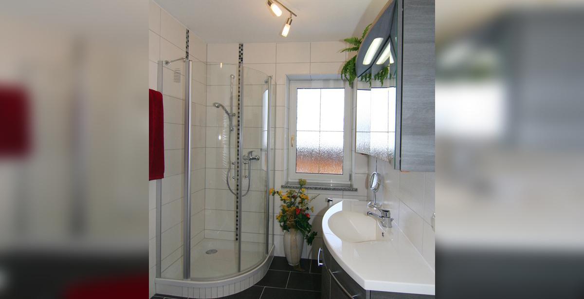 Ferienwohnung-Benischke_badezimmer.jpg