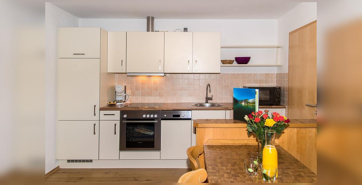 Brandner_Apartmenthaus-Salzgau_Appartement-3_Wohnkueche.jpg