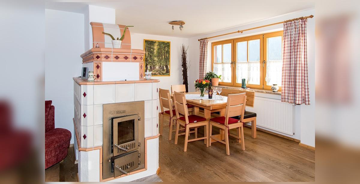 Brandner_Apartmenthaus-Salzgau_Fewo-4_Kamineckejpg.jpg