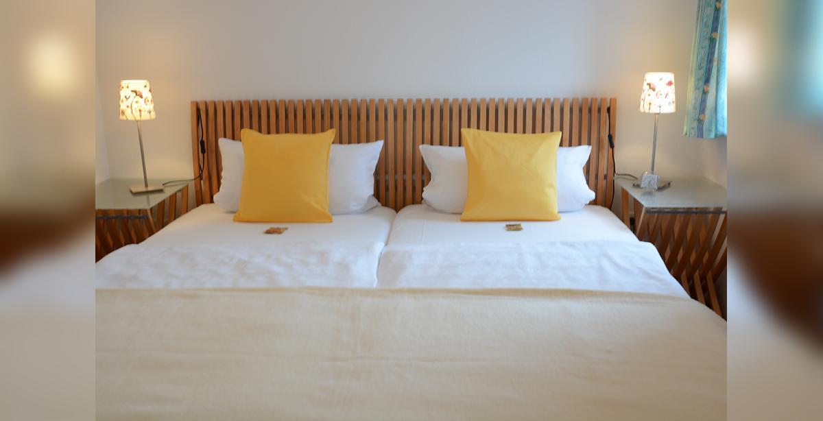 25FewoWest-Schlafzimmer1.jpg