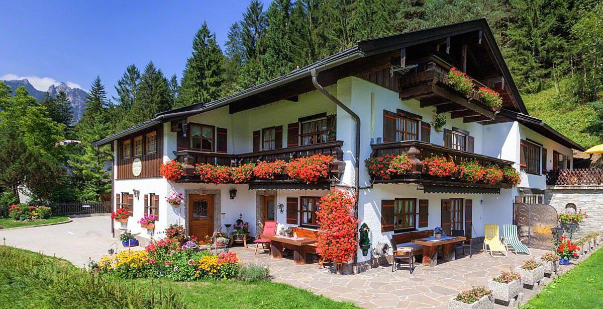 Gaestehaus-Alpengruss_Sommer_1.jpg