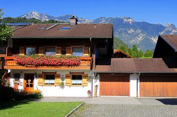 Apartments in Upper Bavaria - With its mountain farms, Bischofswiesen is a preferred holiday destination for families and those seeking relaxation.