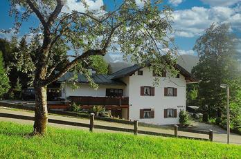 Our guest rooms in Schönau near Berchtesgaden in the middle of the Berchtesgaden mountains make your holiday a fantastic experience.