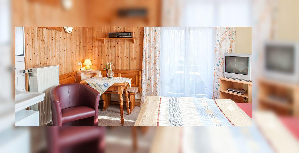 Mehrbettzimmer-Gaestehaus-Gruenwald_6.jpg
