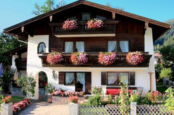 Apartments in Berchtesgaden in the house Kehlsteinblick with family Hetteger in Oberau