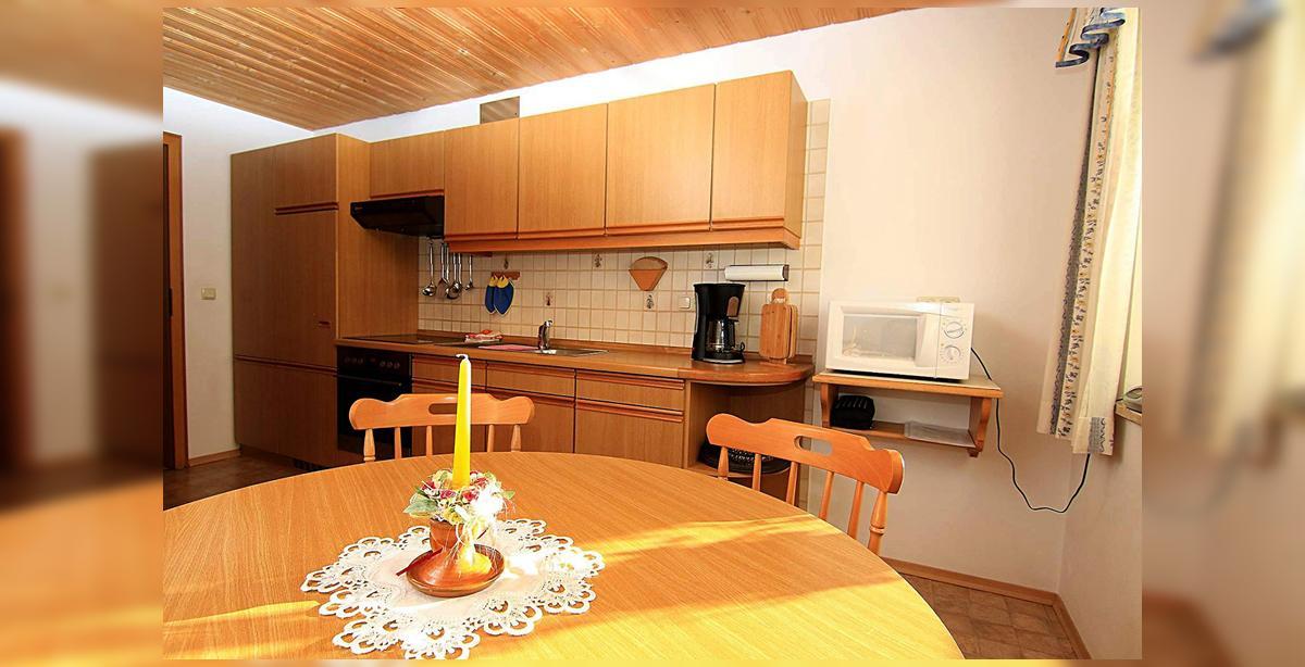 4_Hettegger-Ferienwohnung-Obergeschoss-Kueche_1.jpg
