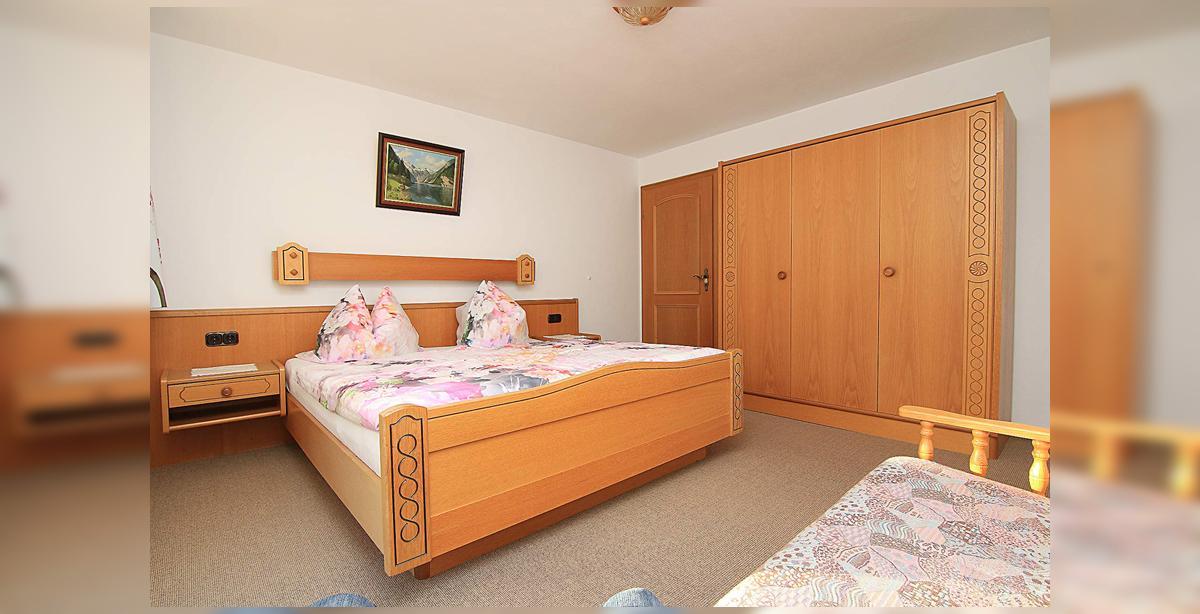 5_Hettegger-Ferienwohnung-Obergeschoss-Gaestezimmer.jpg