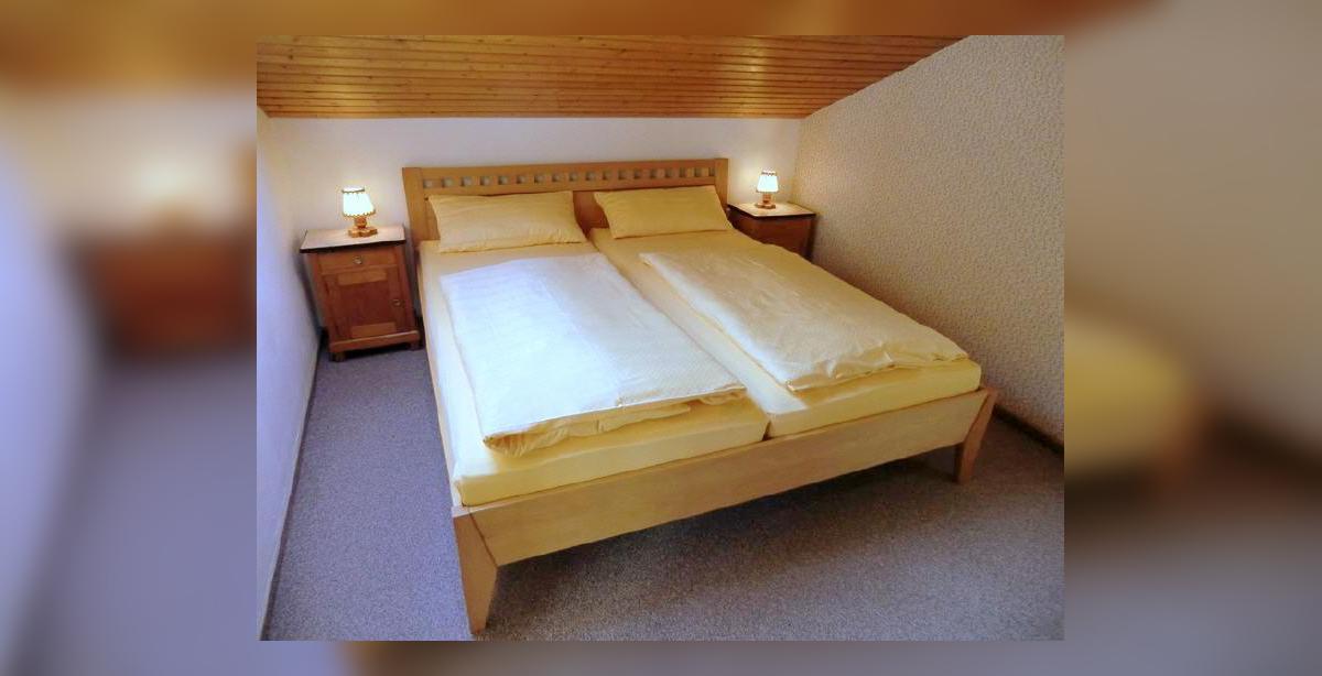 ferienwohnung-holl-schlafzimmer.jpg