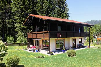 Renovated holiday apartment in a very quiet location on the edge of the forest, in Berchtesgaden in Bavaria in the Berchtesgadener Land