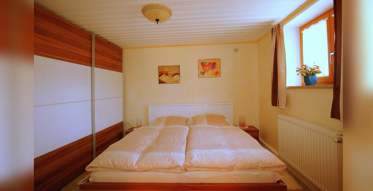 07_apartment_schlafzimmer_2.JPG