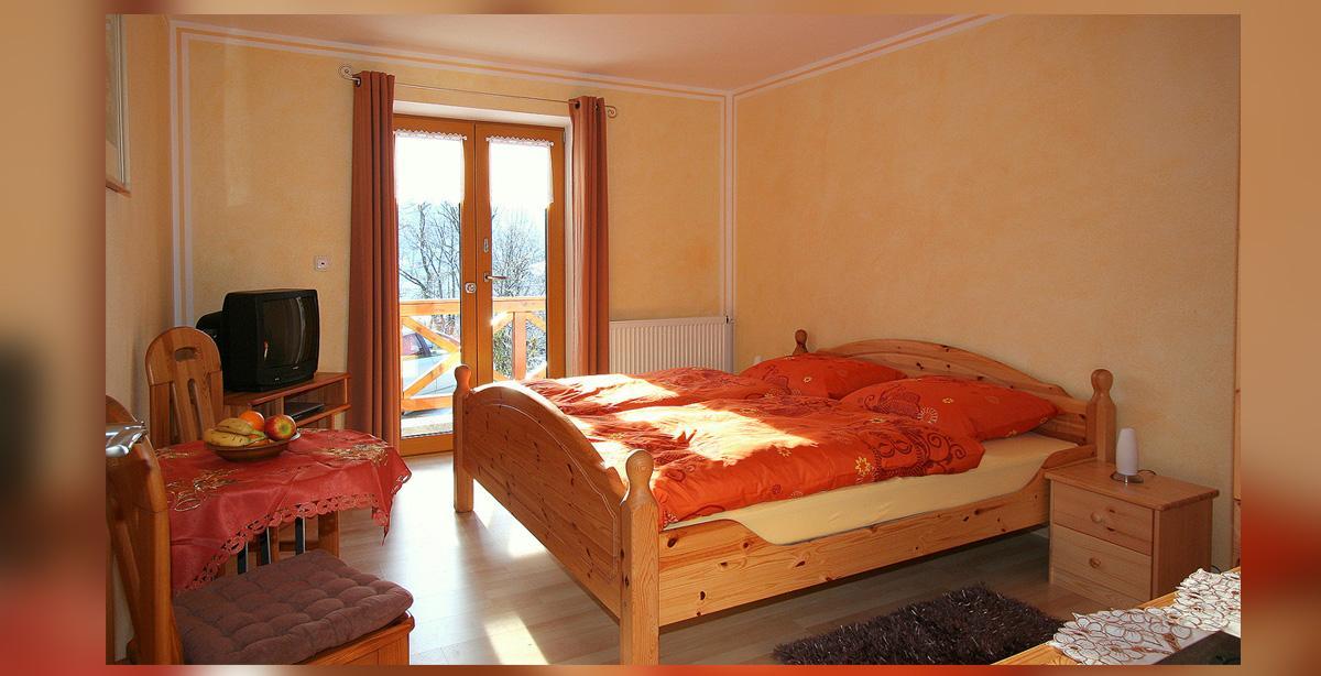 11_Doppelzimmer_bergblick.jpg