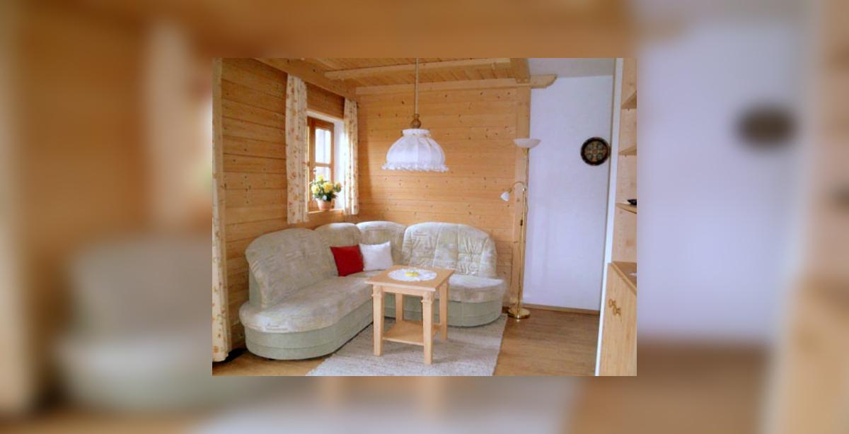 Gaestehaus-Grubenlehen_Bischofswiesen_Fewo_3_Wohnzimmer.jpg