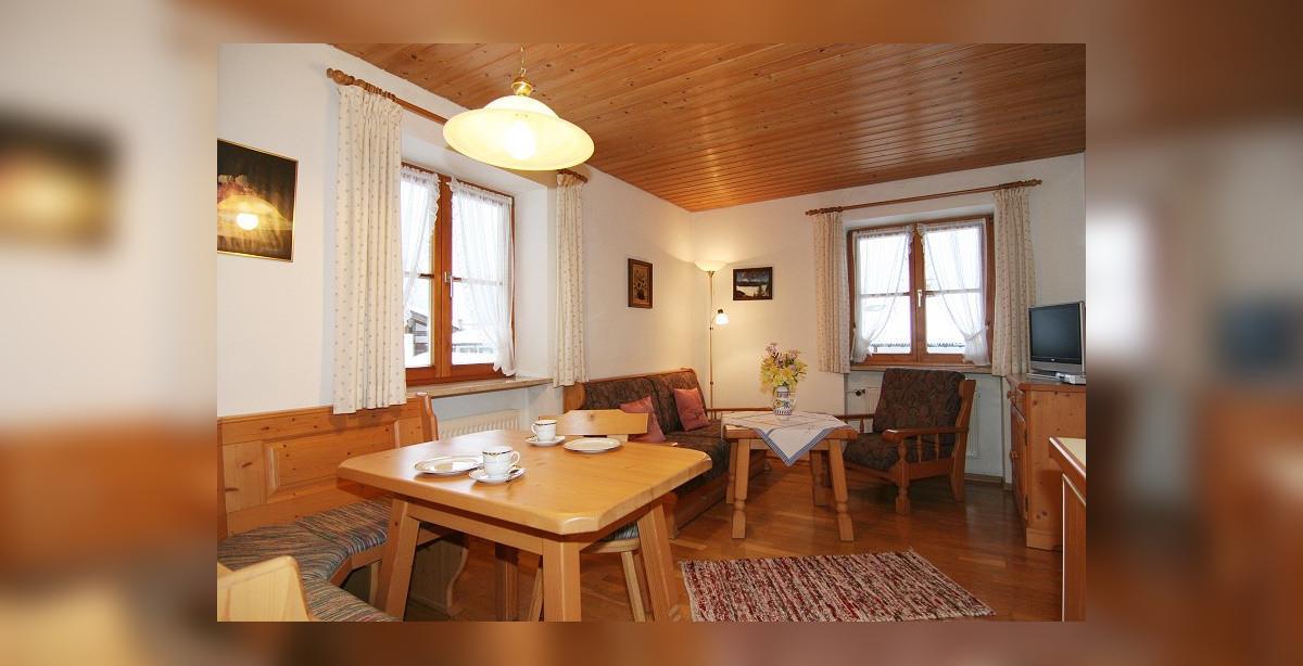 Berchtesgadener_Land_Fewo_2_Wohnzimmer.jpg