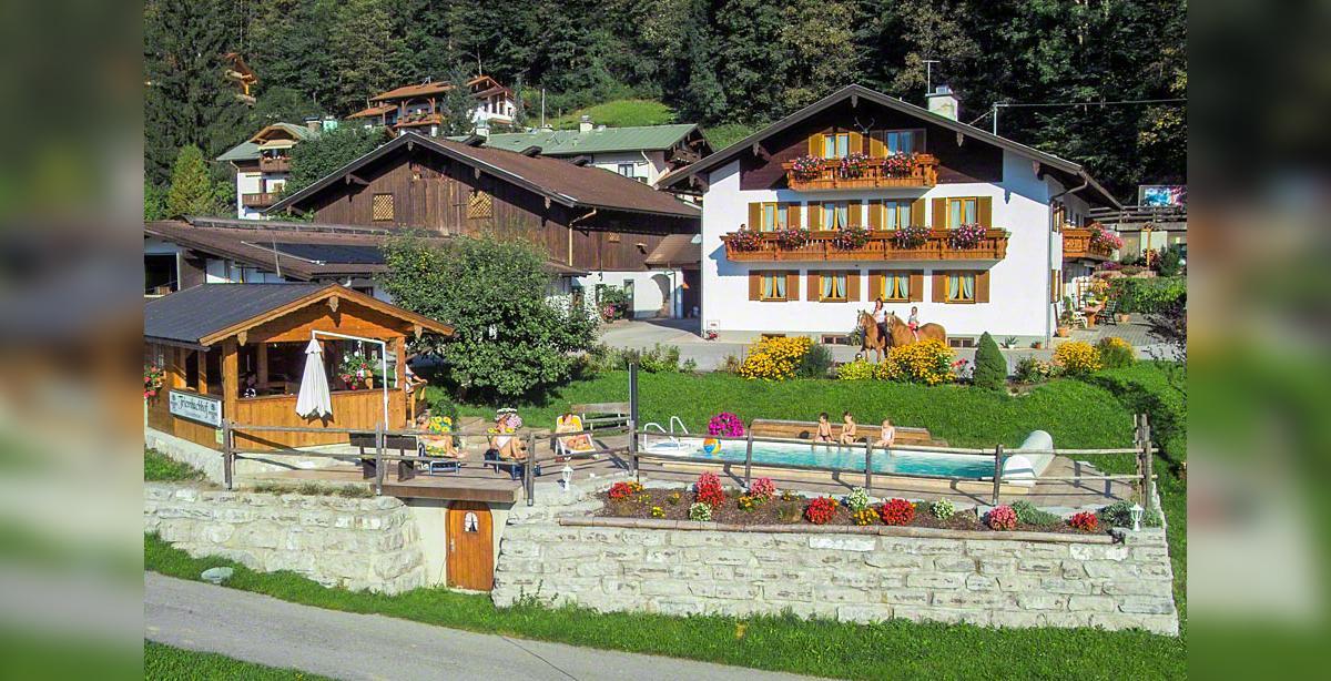 Bauernhof-Tiembachhof_Hausbild.jpg