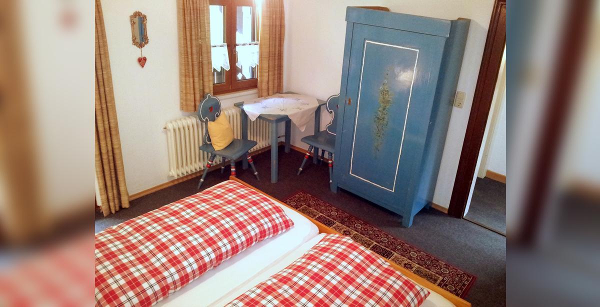 Pension_Ferienwohnung_Etzerschloessl_ferienwohnung_Doppelbett.jpg