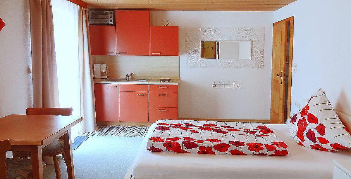Fewo-Hochbahn_Apartement.jpg
