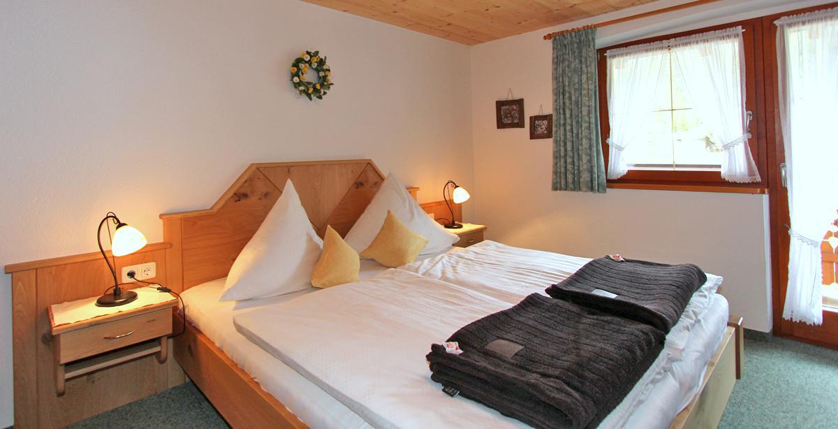 Apartment_Gruenstein_Doppelzimmer.JPG