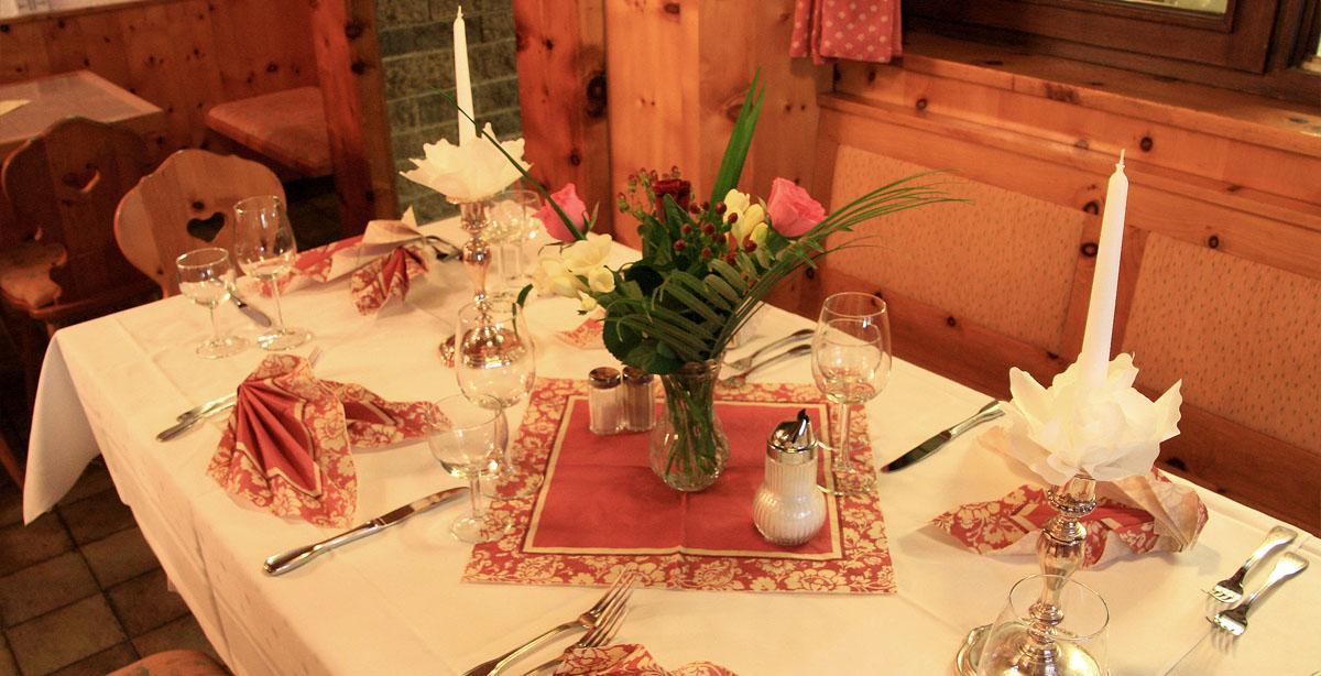 Gasthof-Seimler_Restaurant_Abendessen.JPG