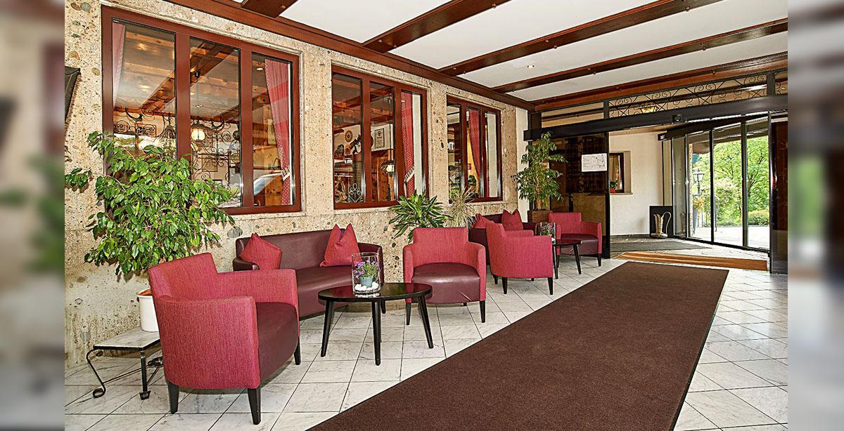 02_Hotel-Seimler_Lobby.jpg