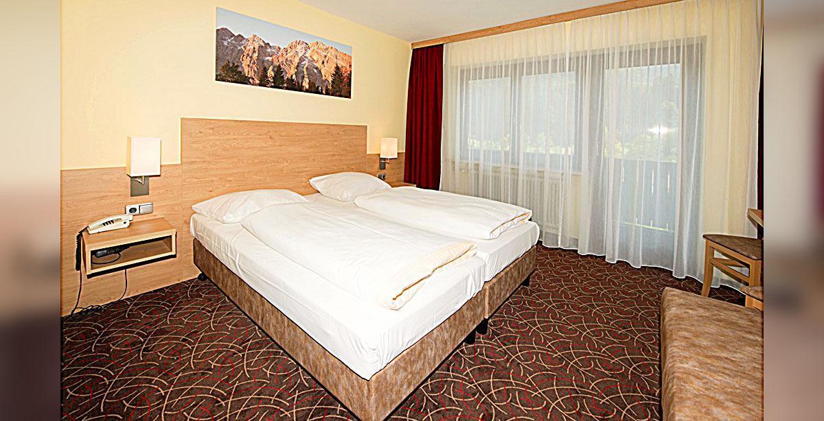 08_Hotel-Seimler_Dreibettzimmer.jpg