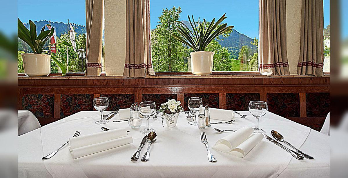 10_Hotel-Seimler_Restaurant_HP-Tisch.jpg