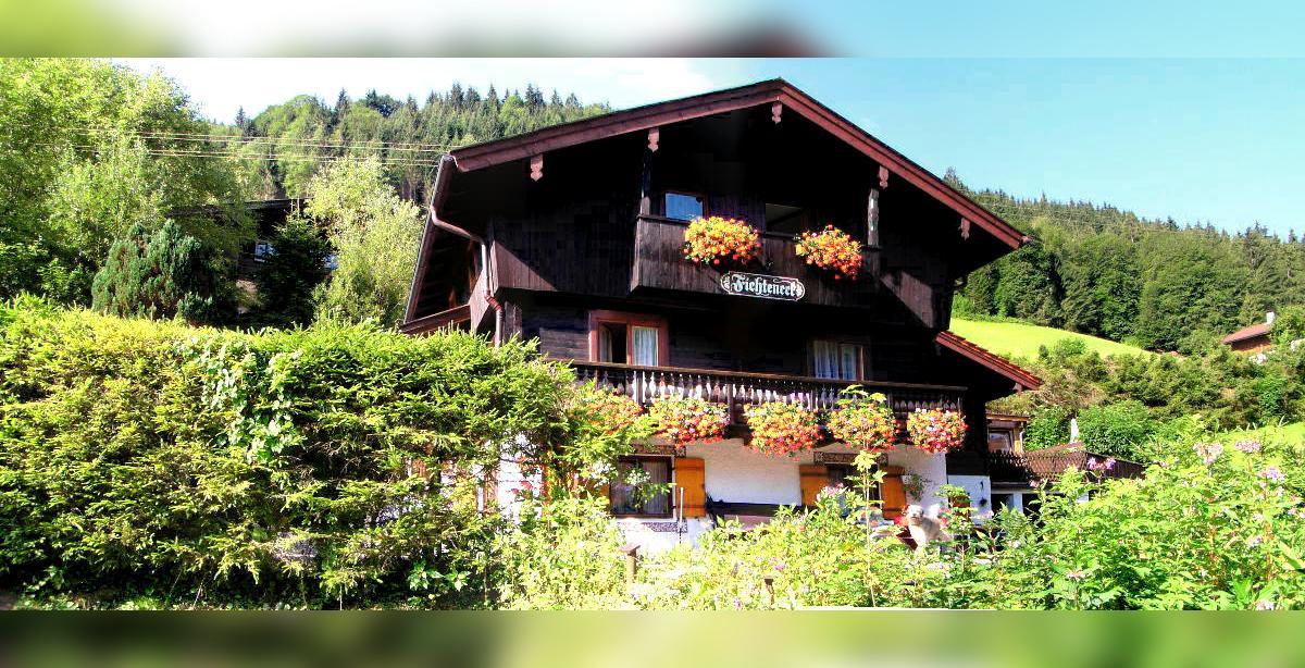 Ferienwohnung-Fichteneck_Ramsau_Watzmann.jpg