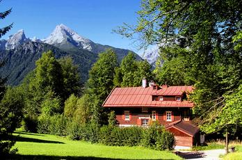 Mountain holidays in Bavaria - health resorts in the mountains. The Villa Flora is located between Bischofswiesen and Berchtesgaden in a quiet location